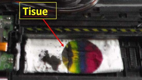Tisue dibasahi tinta printer